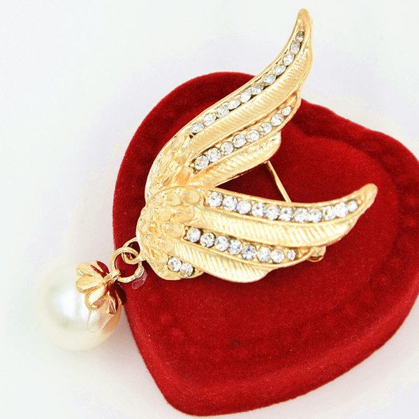 Fashion Popular Gold Color Wings Collar Pin Sweater Shirt Pearl Pendant Brooches for Women Angel Wing Cute Girl Punk Jewelry Valentine's Day