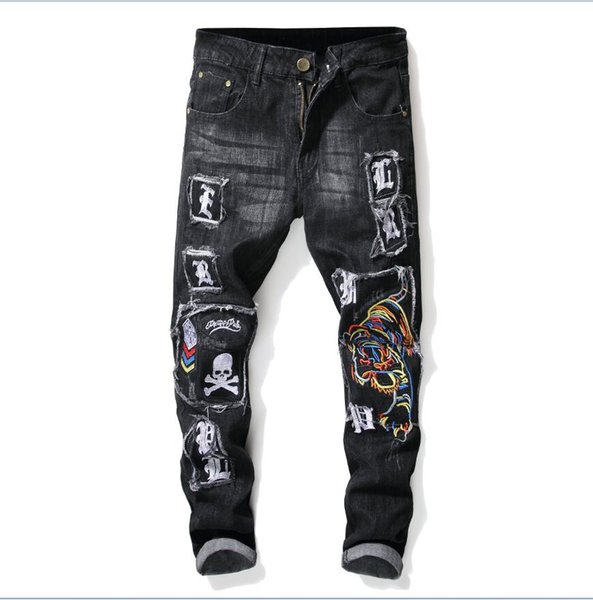 wholesale lowest price men's labeling jeans 2018 new men's luxury slim skull embroidery jeans men's blue jeans pant Free shipping 8024