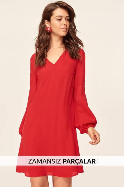 Trendyol Nouvelle robe à col en V rouge TCLAW19BB0326