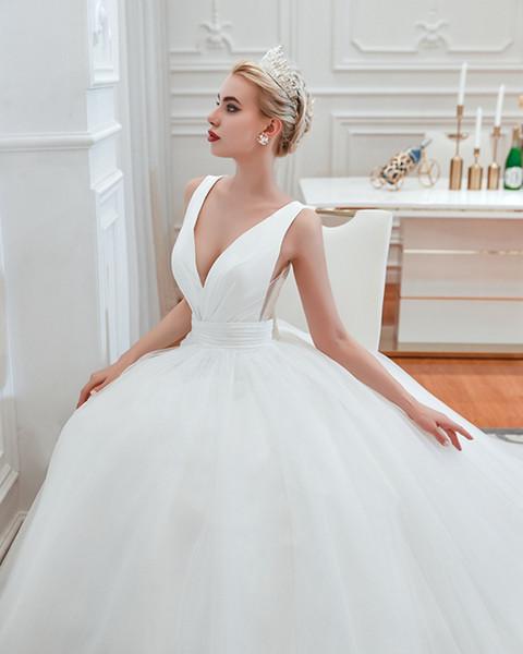 Elegante cuello en V vestido de bola acanalada barrido tren ata para arriba Castillo vestidos de boda pliegues por encargo vestidos de boda nupciales