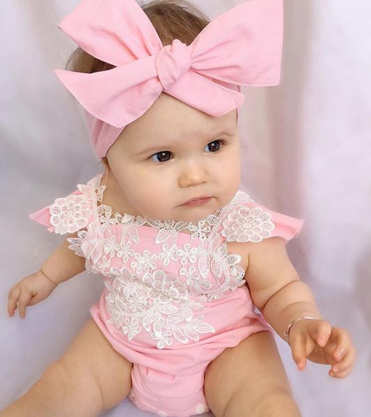 Yeni Yaz Moda Güzel Sevimli Bebek Bebek Kız Dantel Pembe Pamuk Kısa Kollu Çiçek Tulum Bodysuit Kafa Kıyafetleri Set