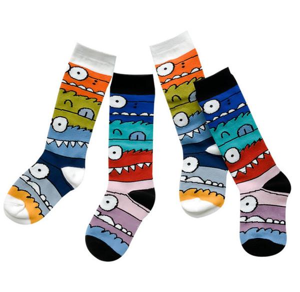 Crianças meias crianças dos desenhos animados graffiti meias casuais meninas patchwork cor 3/4 de malha alta meias meninos meias de algodão para o futebol F3805