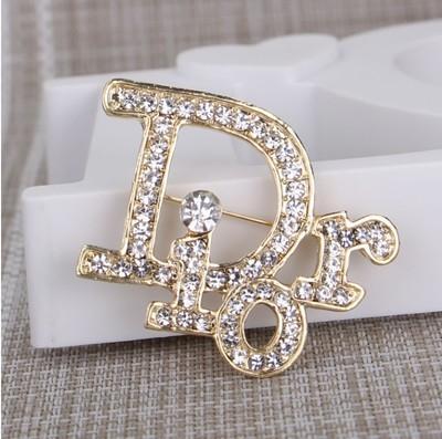 Mejor venta de diseñador carta broche de lujo de cristal broche suéter joyas chapado en oro broche regalo del día de San Valentín envío gratis