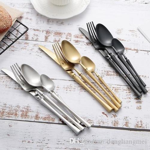Posate in oro di alta qualità creativa Set di posate Cucchiaio Forchetta Coltello Cucchiaino Set da tavola in acciaio inossidabile Set di posate da tavola di lusso wn587C