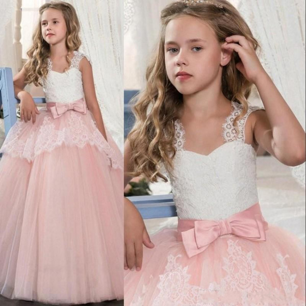 2019 Princesa Branca Rendas Rosa Vestidos Da Menina de Flor Lindo Vestido De Baile Partido Vestidos de Casamento Meninas com Arco Sash vestes de soirée
