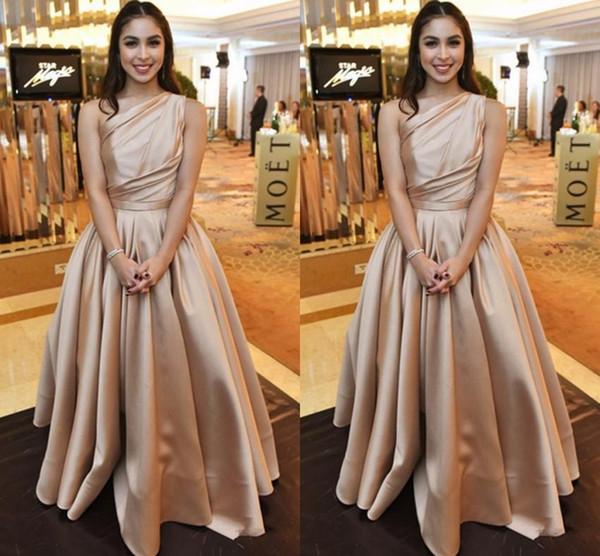 Elegante Champagner Abendkleider Formale Anlass Kleider Eine Schulter Falten Brautjungfern Brautempfang Tragen Prom Party Kleider