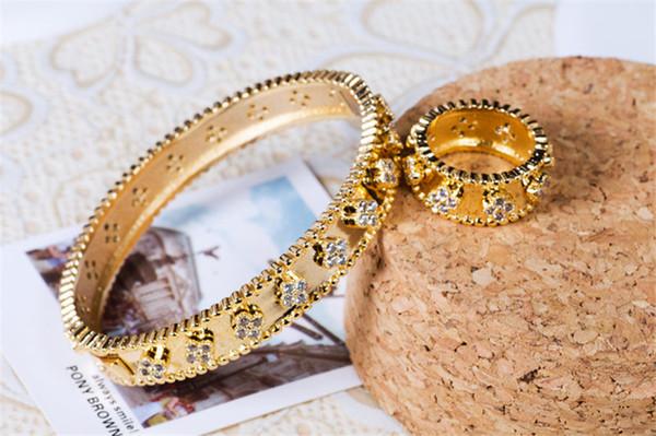 Moda Flores Anillos Clásicos Pulseras Diseñador de Lujo Anillos Conjuntos de Brazaletes de Alta Calidad de Oro Plata de Las Mujeres Joyería de La Boda Conjunto Regalo del Amante