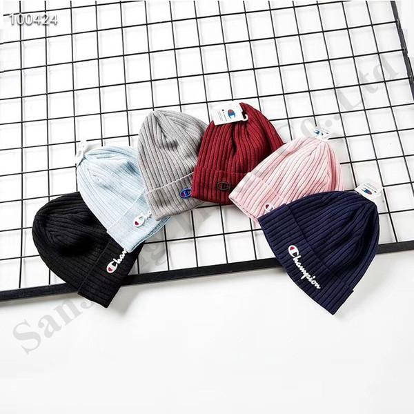 Yüksek Quanlity Şampiyonu Örgü Şapka Erkekler Kadınlar Için Caps Marka Örme Kasketleri Ile Polar İç Sıcak Kış Şapka Tığ Kafatası Kap Kayak Şapka C9608