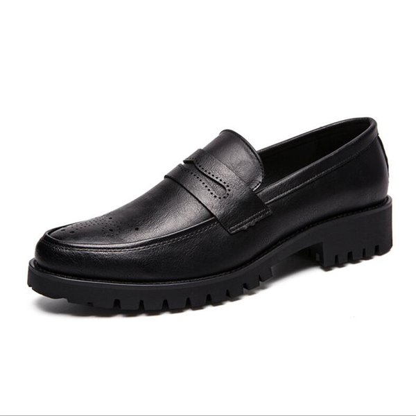 Summer New Business Shoes Men's Large Size 38-47 Tooling Men's Shoes Solid Color Carved Breathable Men's Shoes
