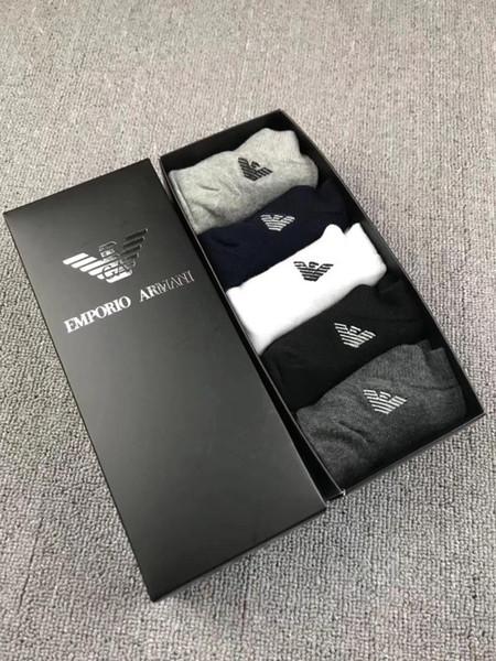 Calzini da uomo di vendita calda Marchio Tide Lettera stampa morbida calzini maschili traspirante Street Unisex Cotton Socks
