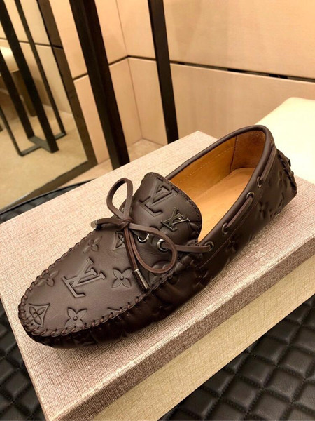 2019t Luxus echtes Leder benutzerdefinierte Herren Slip On Casual Erbsen Schuhe Mode wilde Sportschuhe berühmten Designer gedruckt Streifen Erbsen Schuhe