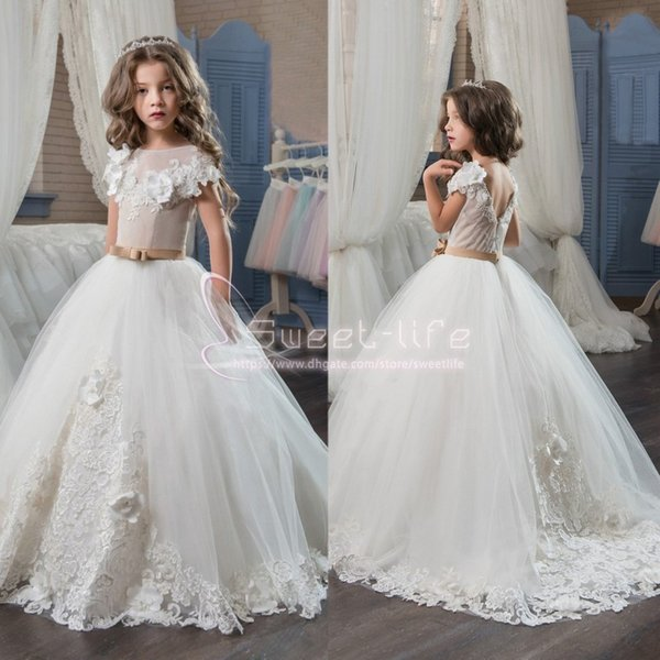 2019 New Girls Pageant Dresses for Teens White Lace Appliques Short Sleeves Tiered Custom Made Party Children Flower Girl Evening Gowns