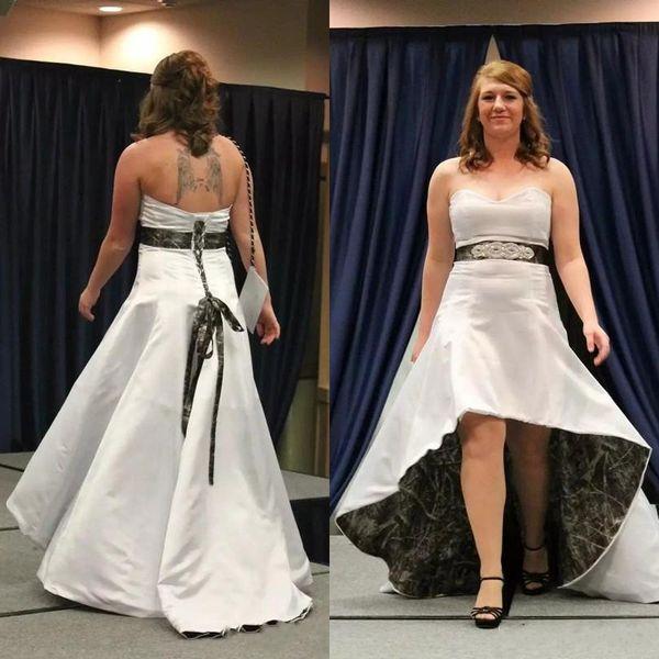 Vintage Camo Sweetheart Neckline High Low Vestidos de novia Vestidos de novia Tallas grandes Satén Con cordones Volver Long robe de mariée