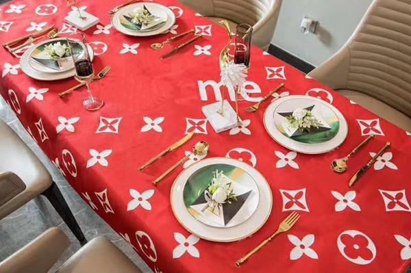 L رسالة الأزياء الفاخرة تصميم مفرش أحمر cottonlinen ماء الطازجة نمط ديكور تناول الطعام الجدول ماتس أسلوب حديث.