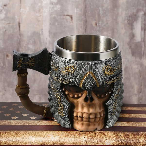 1pcs 3d Axe Epacket Handle Viking Warrior 450ml Skull Mug Gothic Tankard Halloween Decoration Skeleton Cup Beer Stein Man Gift SH190719