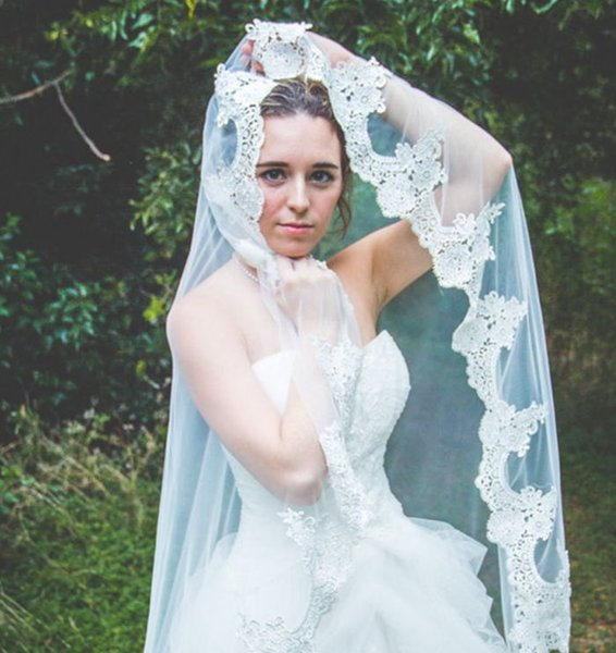 2019 White Wedding Veil Cathedral Length Applique Lace Edge 3 Meters Long Bridal Wedding Accessories Headpiece Without Comb Bridal One Layer