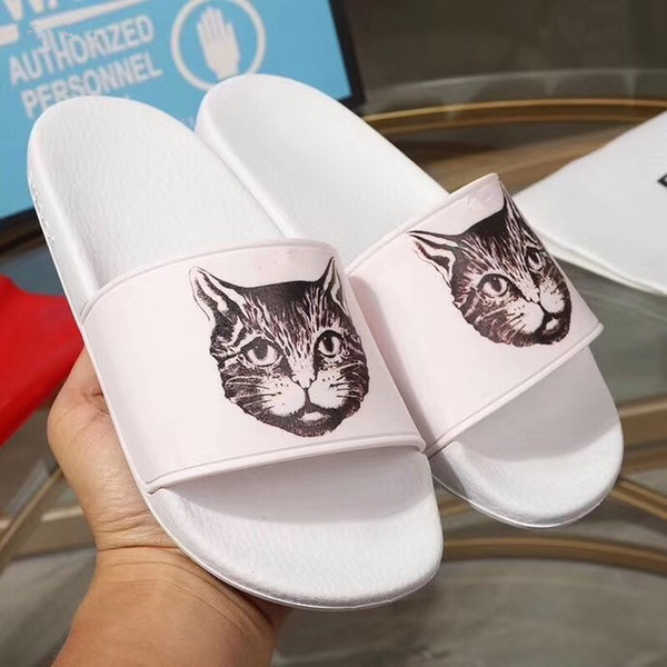 2019 High Quality Luxury Designer Mens Womens Summer Rubber Sandals Beach Slide Fashion Scuffs Slippers Indoor Shoes Size 35-44 Wit jm090703