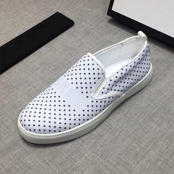 Tasarımcı Slip-Ons Erkek Lüks Loafer'lar Moda Marka Rahat Ayakkabılar Yeni Gelgit Tasarımcı Ayakkabı Siyah ve Beyaz