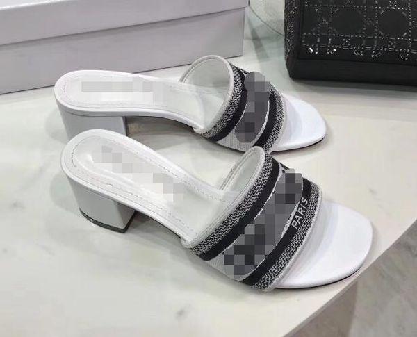Beyaz-yüksek topuklu