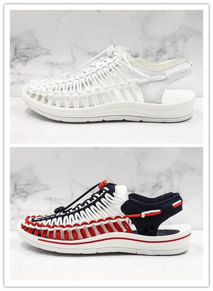 Venda quente das Mulheres Sandálias Macias Confortáveis Romanos pequenos sapatos brancos verão wading shoes designer de alta qualidade a montante sapatos EU35-39