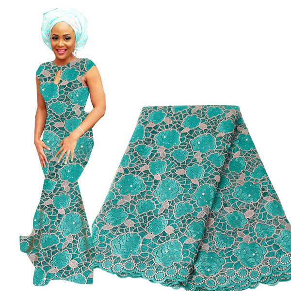 2020 hochwertige afrikanische Spitzenstoffe bestickt Nigerian Französisch Spitzenstoff mit Steinen Rose Net Lace Stoff für Frau Kleid