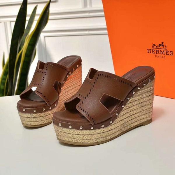 Nouvelle marque haut de gamme d'été dames de paille compensées pantoufles en cuir de qualité sandales plates pour femmes occasionnels chaussures 35-40 verges livraison gratuite