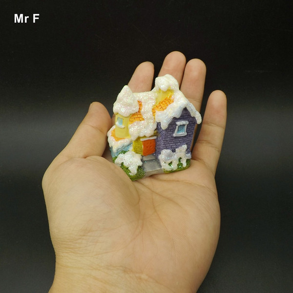 Snow Mini Resin House Craft Micro Cottage Model Toy Kid Christmas Gifts Handcraft Accessories