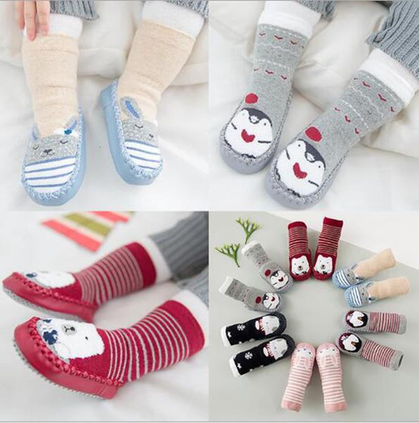 Baby Soft Soled Calzini antiscivolo in gomma all'aperto suola scarpe primi camminatori scarpe bambino inverno scarpe indoor calzini 12 colori YL897