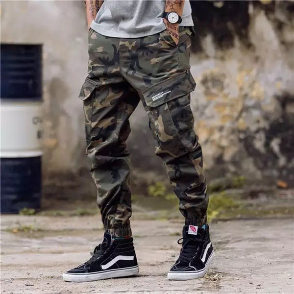 Camo Cargo Pants Streetwear avec beaucoup de poches poignets Jeans pour hommes Pantalon Jogger Casual cheville Jeans européen Jeans