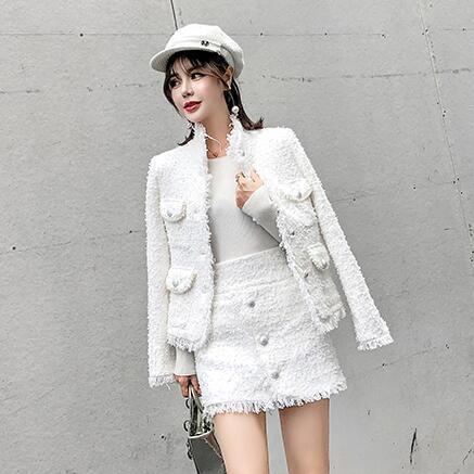 Kadınlar Lüks Beyaz Tüvit 2 Parça Takım Elbise Güz Kış Boncuk Peral Yün Karışımları Ceket Ceket + Kısa Tek Göğüslü DC502 Suits