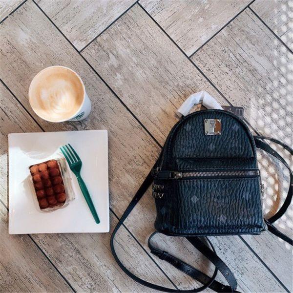 Mini zaino Nuovo arrivo marca rivetto zaino stile di vendita caldo zaini sacchetto di lettera delle donne degli uomini sacchetti di scuola formato di moda 20 cm nuovo stile