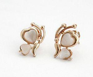 Fashion Design Butterfly White Stone Golden Plated Wing Ear Stud Earrings New Arrival 1 Pair