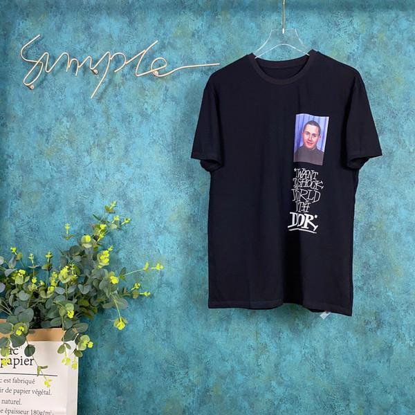 2020 Hombres de diseno t shirts Negro Blanco Rojo para hombre de la manera del diseñador T Shirts Top de manga corta de la alta calidad S-XXL157
