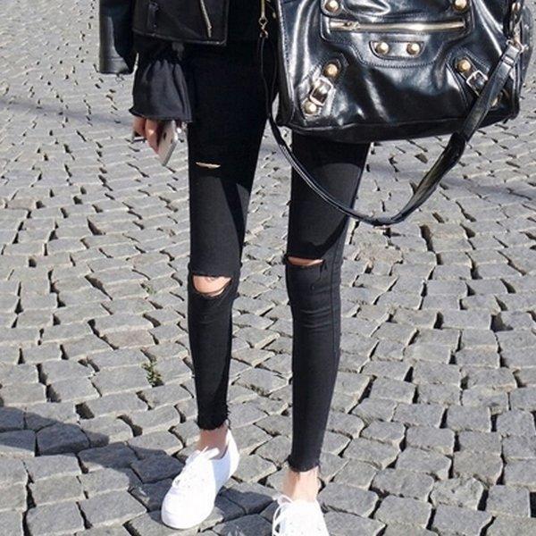 Siyah Yırtık Ayak bileği uzunlukta pantolon