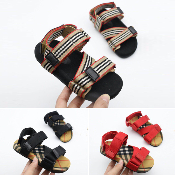 Brand Kids Closed Toe Sandals Boys Girls Teenage or Toddler Summer Beach Shoes Four Colors Anti-skid Mesh Shoes Soft Sandals Free Shipping