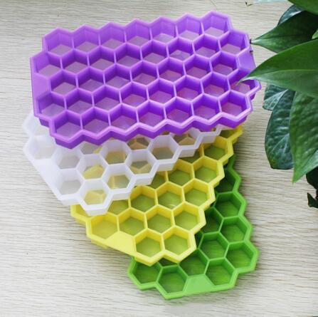Multi-Style Silicone Ice Cube Tray Freeze Mould Ice Cube Tray 37 Cavity Ice-making Box Honeycomb Mold For Bar Party Tools