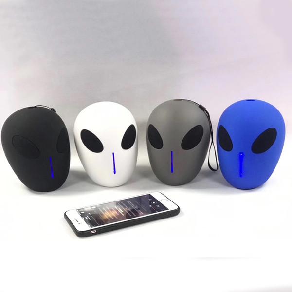 Extraterrestre Bluetooth Haut-parleur ET sans filets Hallet Skull Subwoofer Multi-usage Portable Cool Robot Extraterrestre USB / TF carte FM Micro Haut-parleurs X18