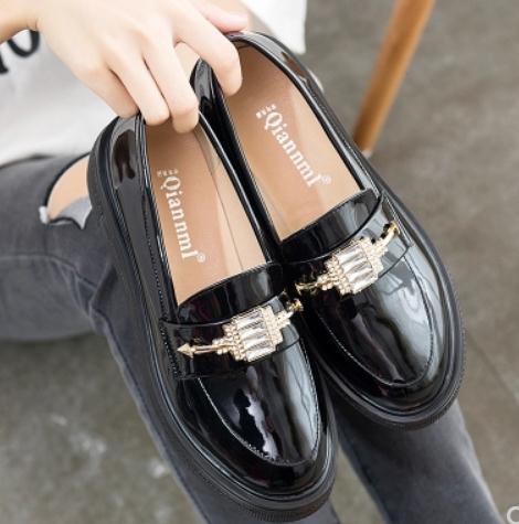 2018 calçados femininos na primavera e outono com novo estilo salto médio salto de inclinação cabeça redonda de fundo grosso