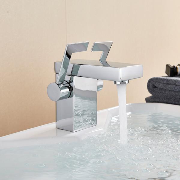 Novo Acabamento Cromado Bacia Do Banheiro Torneira Da Pia Deck Montado Único Furo Vaidade Pia Mixer Latão Frio Hot Water Tap