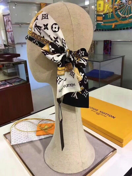 Sciarpa di seta 18 pezzi donna 120 * 8cm Vendita calda Stampa fascia stampata Per sciarpe Primavera Autunno Inverno senza scatola 332