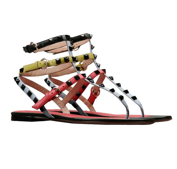 2019 New Fashion Brand Designer Frauen Sandalen römische Schuhe Flip-Flops Zehen Hausschuhe komfortable flache offene Zehennieten Größe Hochzeitsschuhe