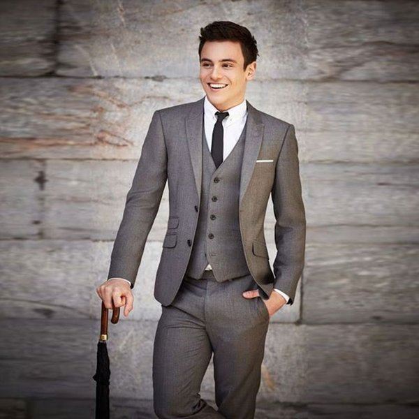 High Quality Men Suits Slim Fit Peaked Lapel Wedding Suits For Men With Jacket Vest And Pants Groom Tuxedos Three Pieces Blazers