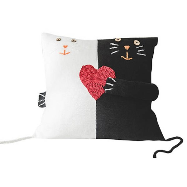 Black and White Cat Red Heart Love Knitting Throw Pillow Case 100% Cotton Knitted Home Wedding Decorative Pillowcase for Office
