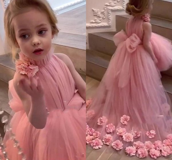 Blush Pink Abiti Flower Girl per matrimoni alta maniche Neck sweep treno 3D Applique floreale Comunione vestono abiti Pageant
