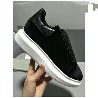Novedades Hombres Mujeres Cuero blanco con gamuza negra Zapatillas de deporte con plataforma en la parte superior de ante, Diseñador de la marca Amantes Zapatos casuales 35-44 Envío con gota