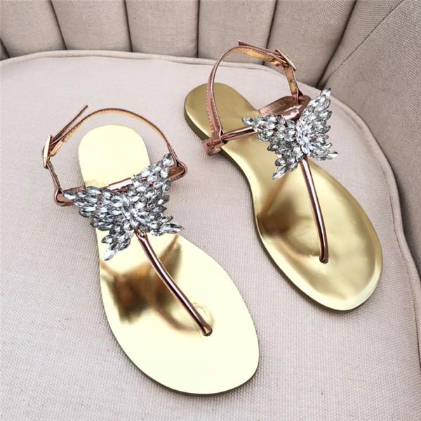 2019 INS Tacones planos para mujer Sandalias Alpargatas Zapatos Giuseppe Sandalias rhinestone mariposa Zapatos de diseño de cuero Flip Flop