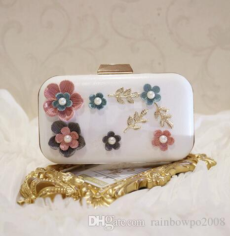 sales package exquisite diamond three-dimensional flower woman hand bag beautiful woman Handmade leather evening bag Clutch wedding banquet