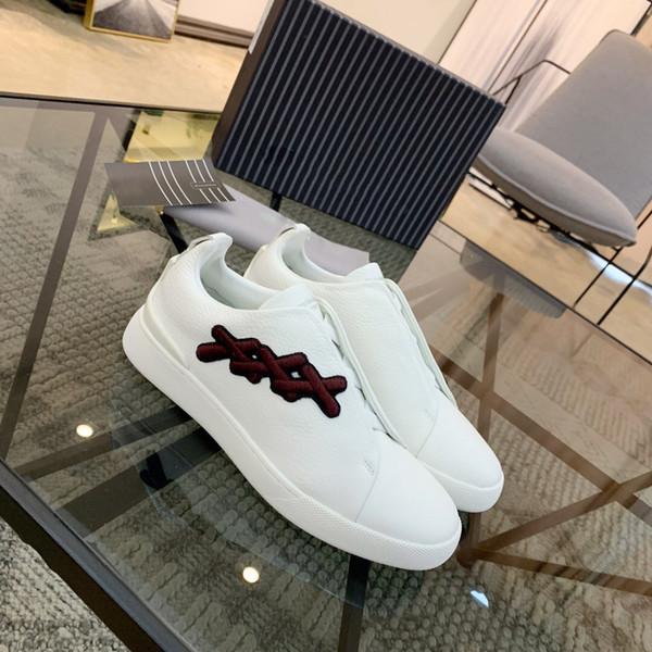 Tembel Yeni Moda Erkekler Lüks Tasarımcı ayakkabıları 2020 En kaliteli En Çok Satan Kayma Spike Klasik Hakiki Deri Casual Marka ayakkabılar çapraz