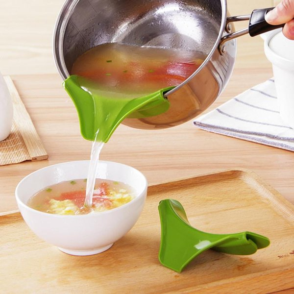 Wholesale-Vanzlife anti leakage kitchen funnel pot round deflector edge creative kitchen liquid silicone funnel