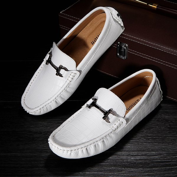 Men Luxury Loafers Mans Flats Autumn Casual Mens Designer Loafer Slip-On Car Gommino Driving Shoes Big Size Boat Shoes Male Moccasins White